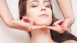 Yüz Sarkması Nasıl Giderilir? Ameliyatsız Yüz Germe Yöntemleri